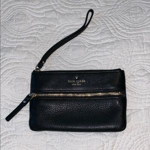 Kate Spade Pebbled Leather Wristlet ♠️